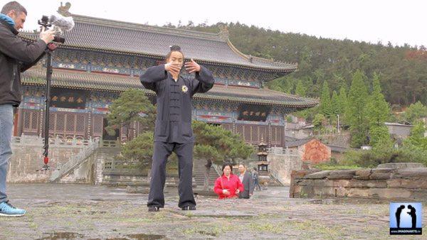 Lionel Froidure en plein tournage à Wudang Shan