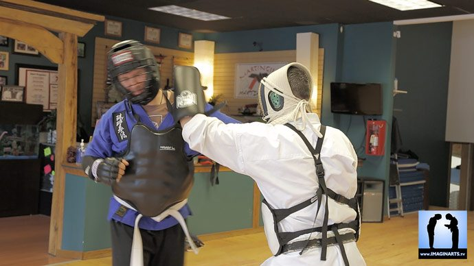 bogu-keiko - Lionel en armure kendo pour pratiquer le Kyusho Jitsu