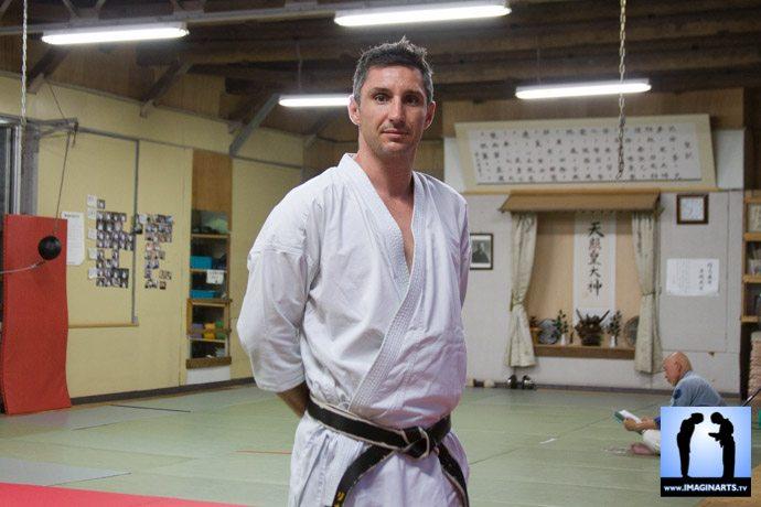 Lionel Froidure en karategi au Japon