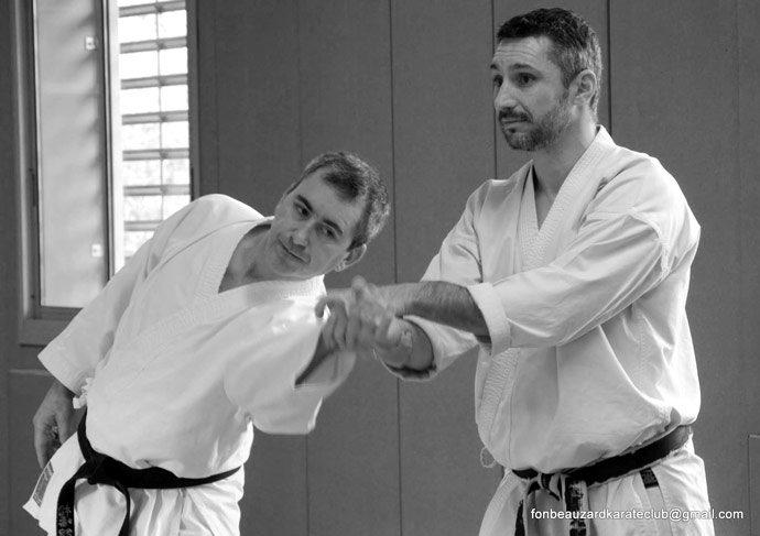 lionel froidure enseigne un kote gaeshi en karate
