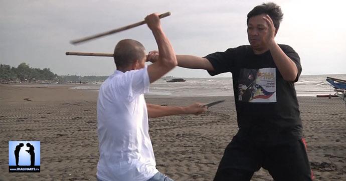 Anis Kali aux Philippines avec Master Presas